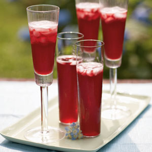 In the tradition of sparkling libations like the Buck's fizz and Bellini, this cocktail starts with Champagne and fruit juice.