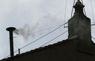 Fumee-blanche-au-Vatican
