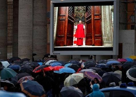 Le-conclave-a-commence_article_main