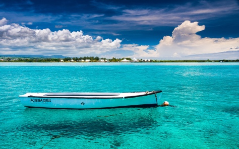 blue-bay-beach-mauritius-tropics-magazine.jpg