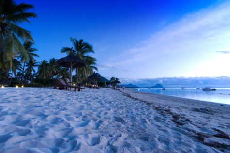 flic-en-flac-beach-mauritius-tropics-magazine.jpg