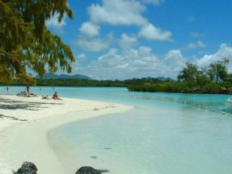 ile-aux-cerfs-island-beach-mauritius-tropics-magazine.jpg