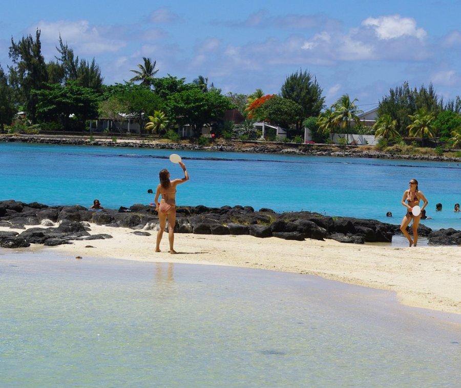pereybere-beach-mauritius-tropics-magazine.jpg